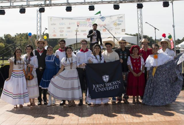 Hispanic students celebrate culture