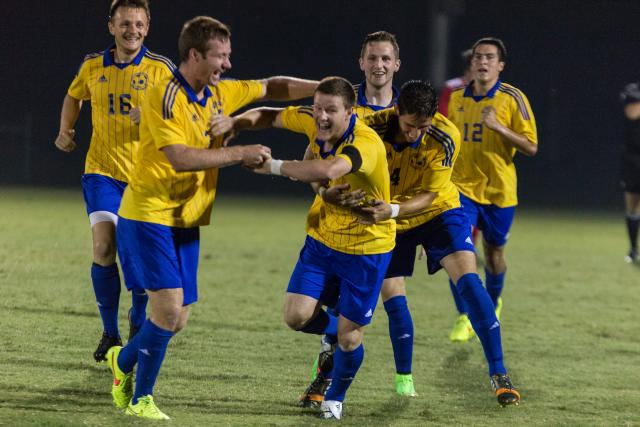 Men's soccer clenches 4th consecutive win