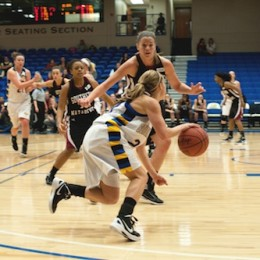 Lady Eagles try to move up