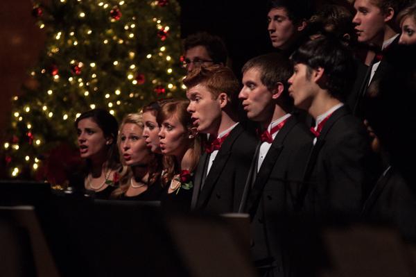 University celebrates Christmas by Candlelight