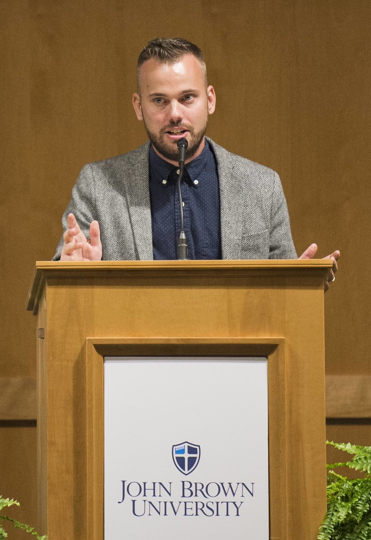 Benjamin Rasmussen gives a speech as he accepts JBU's Young Eagle Award at a special event during Homecoming. Rasmussen has been featured on Vogue, Business Week, Fortune Magazine and New York Times.