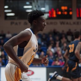 Golden Eagles look to topple Rams