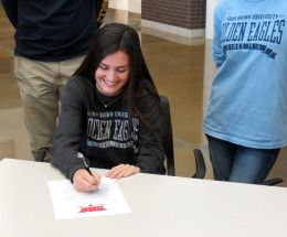 Sweaney and McCracken commit to University