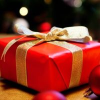 Holiday gift wrapping ideas for the creatively challenged